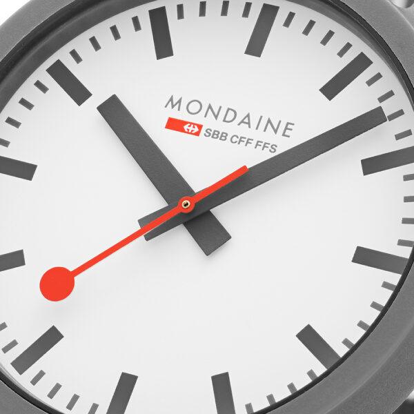 Mondaine-Essence-MS1.41110.LU